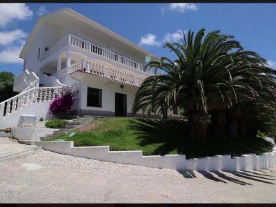 Villa for sale in Mafra