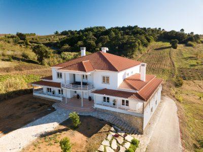 Villa for sale in Bombarral
