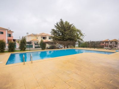 Townhouse for sale in Setúbal
